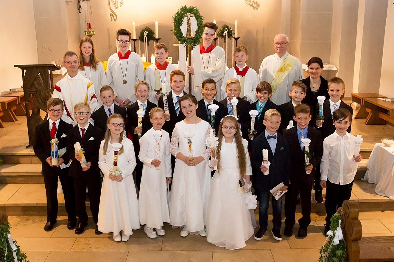 Die Kinder in Hauenhorst empfingen am Donnerstag, den 25. Mai 2017 die 1. Heilige Kommunion.