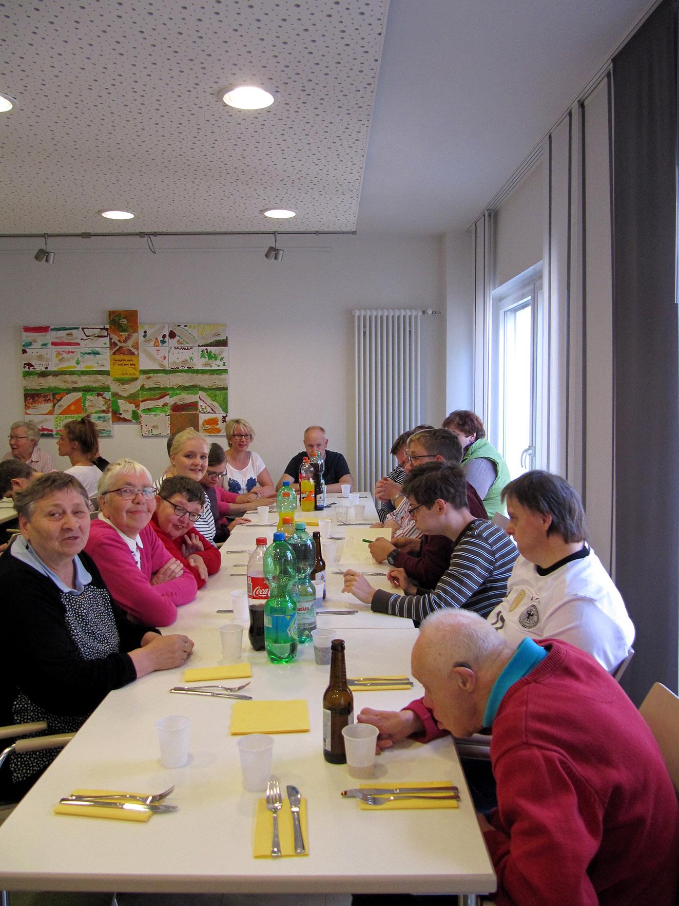 Gemütliches Beisammensein im Gemeinschaftsraum prägten auch diesmal das Programm des Grillfestes der IGMB