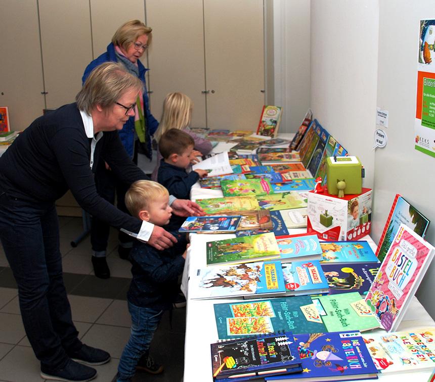 Die Buchausstellung interessierte Groß und Klein