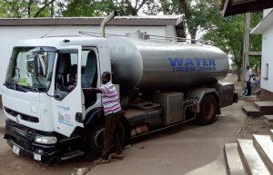 Tankwagen lieferten schmutziges Flusswasser zu hohen Preisen