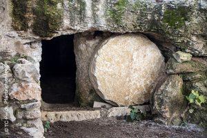 Das Grab ist leer, Jesus ist auferstanden.